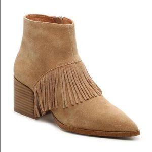 Matiko Cassandra suede boots 👢 NWT 💝💝💝